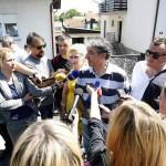 Zagreb, 10.07.2015 - Obitelj Cvjetkovic odlucila je mirno predati svoj dom ovrhovoditelju